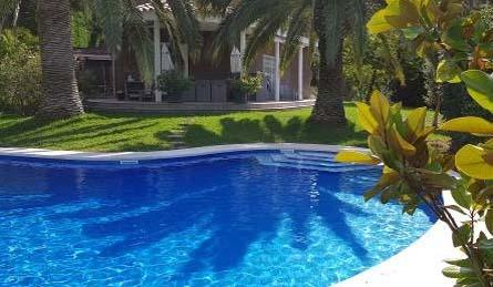 renovar-piscina-verano-2019-marmol-azul